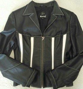 Женская кожаная куртка 42-44 р-р