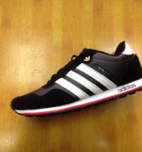 Adidas . Новые.