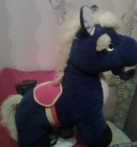 Большая мягкая игрушка конь