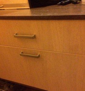 Шкаф в прихожую с полкой и зеркалом