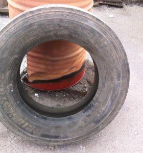 Резина 215/75/17.5 2 колеса