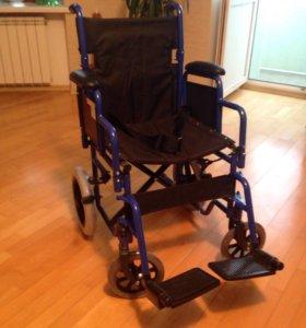 Кресло-каталка для инвалидов