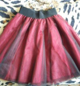 Продаю новую пышную юбку из фатина и атласа