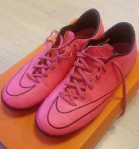 Бутсы Nike для иск. покрытия 39 размер