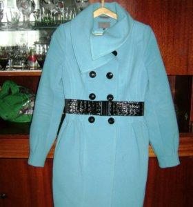Пальто одето один раз. Причина продажи- стало мало