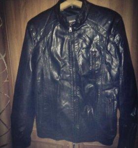 Эко-кожанная куртка