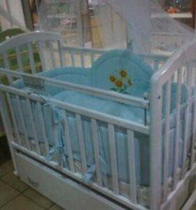 Детская кроватка в отличном состоянии с первых рук