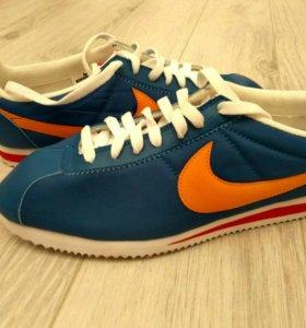 Кроссовки Nike Cortez