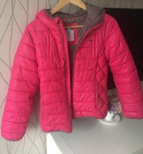 Куртка демисезонная для девочки- подростка.