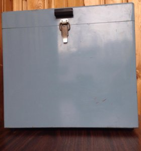 Ящик металлический с замком для инструментов