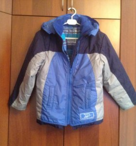 Куртка демисезонная на мальчика ~ 5 лет