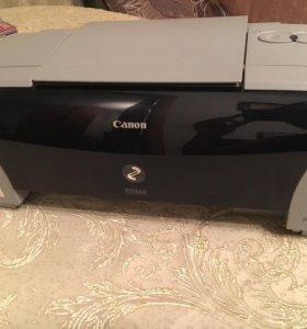 Цветной принтер Canon.