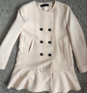 Лёгкое пальто Zara