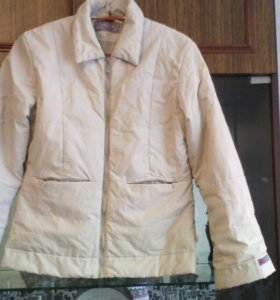 Куртка женская 44 размер.