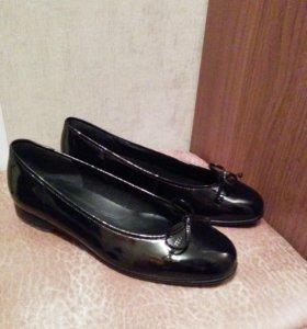 Туфли Gabor чёрные лакированные (новые)