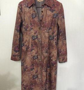Джинсовое пальто размер L