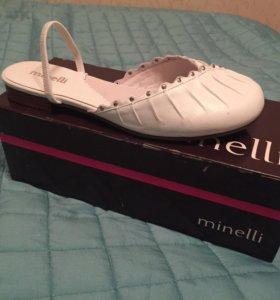Новые кожаные туфли Minelli