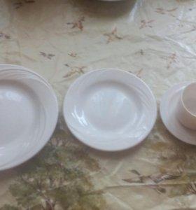 Тарелки и чашки