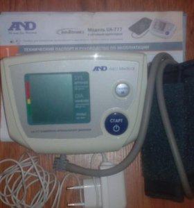 Прибор для измерения артериального давления.