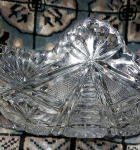 Ладья конфетница салатница  хрустальная