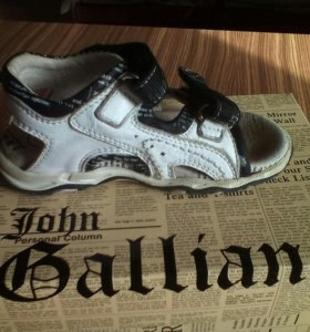 Сандали John Galliano,25