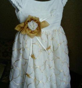 Нарядное платье на девочку 6-7 лет
