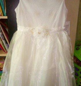 Платье на праздник новое