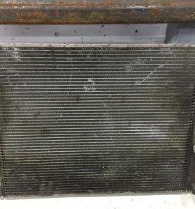 Радиатор охлаждения Бмв е60