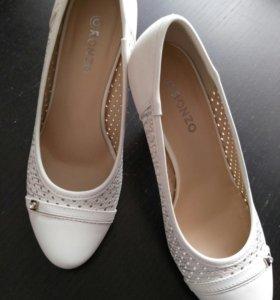Новые туфли (свадебные) 35 размер