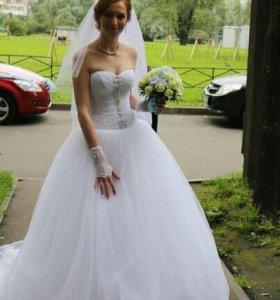 Свадебное платье плюс фата и перчатки