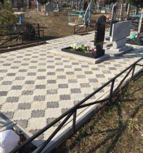 Укладка тротуарной плитки на кладбище