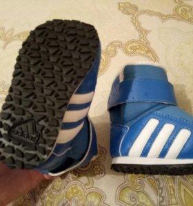 Сапоги сапожки ботинки новые Адидас