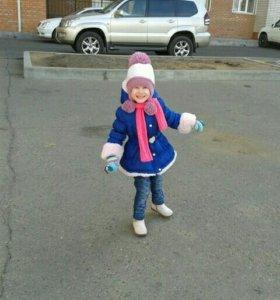 Продам куртку на девочку весна-осень