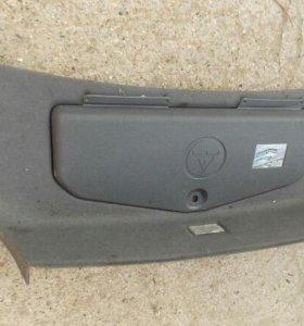 Обшивка крышки багажника БМВ Е39