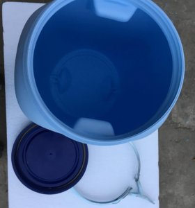 Бочки пластиковые (бочонки) 50 литров, чистые