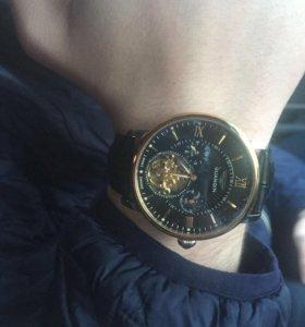 Продам фирменные часы GUANQIN
