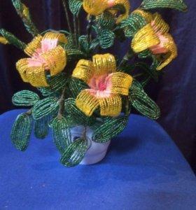 Цветок и деревья из бисера