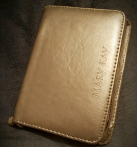 Косметичка золотая mary key
