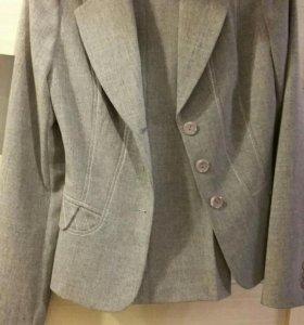 Брючный костюм 42р-р брюки пиджак