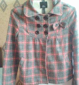 Легкое укороченное пальто- пиджак