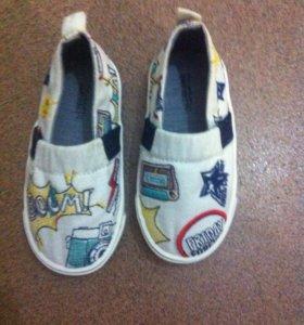 Детская обувь новые