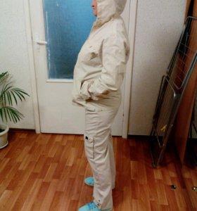 легкий спортивный костюм