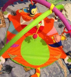 развивающий коврик ,4 игрушки в комплекте!