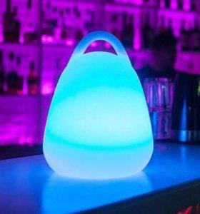 Удобный переносной светильник Alive