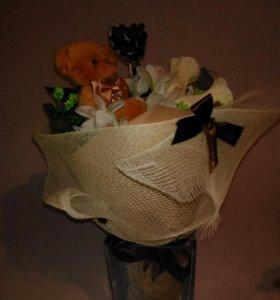 Букет с медвеженком и конфетками