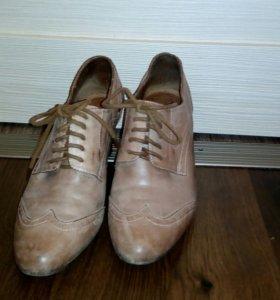 Женская обувь, ботинки.