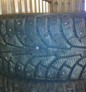 Зимние шины nokian 235 65 R 17