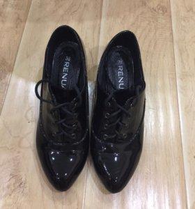 Лаковые весенние туфли