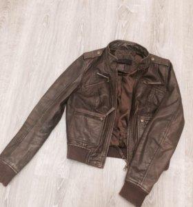 Кожаная куртка ( натуральная кожа)