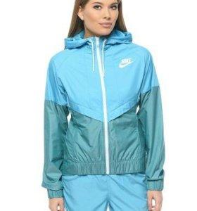 Ветровка женская Nike Windrunner